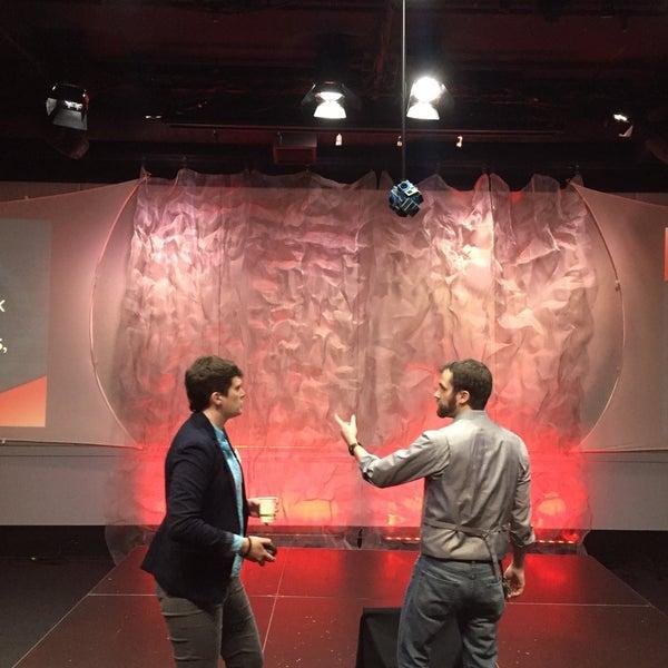 2/25/2016에 Chuck O.님이 Brave New Workshop Comedy Theatre에서 찍은 사진