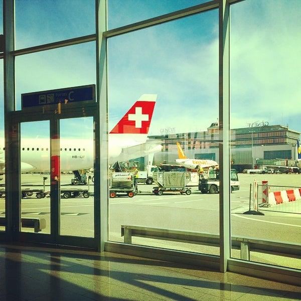 Photo prise au Aéroport de Genève Cointrin (GVA) par Craig R. le9/12/2014