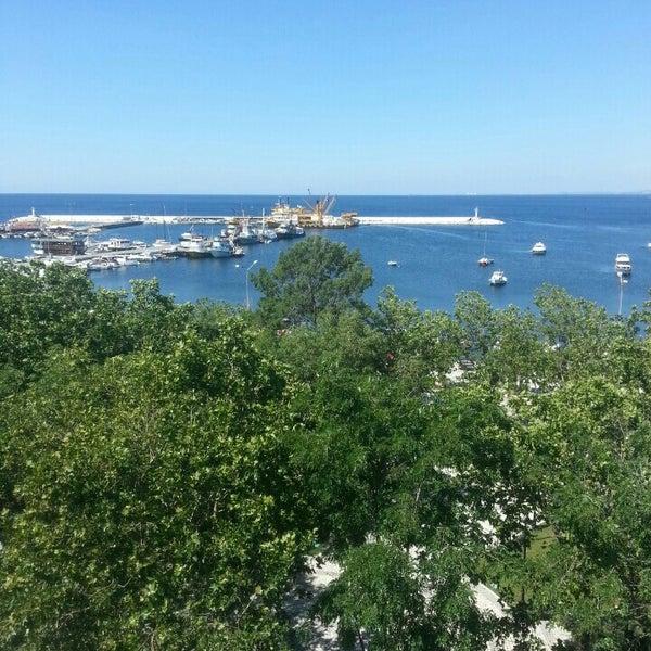6/19/2013 tarihinde Emre E.ziyaretçi tarafından Silivri'de çekilen fotoğraf