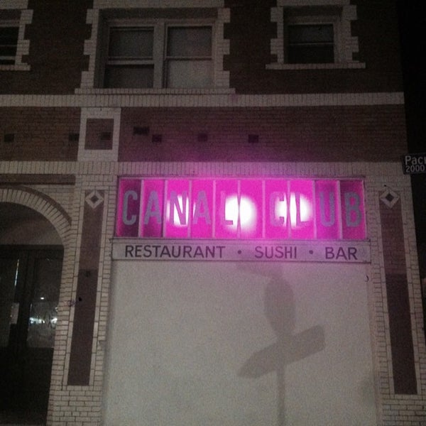 Das Foto wurde bei Canal Club von Billy U. am 7/11/2014 aufgenommen