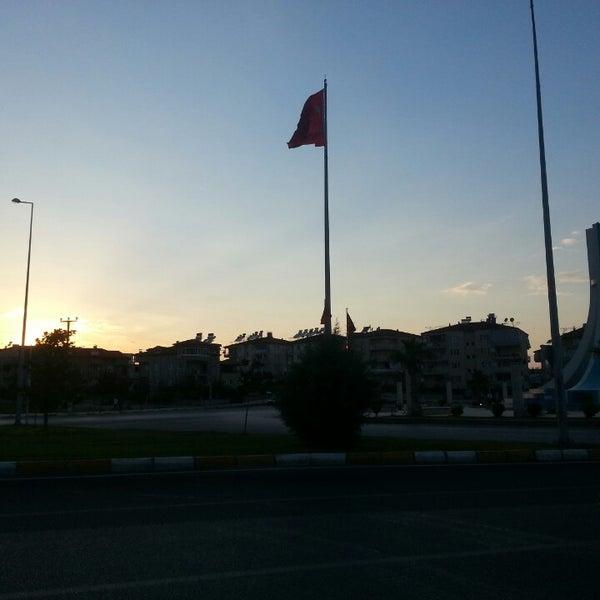 6/9/2013 tarihinde Hacı H.ziyaretçi tarafından Albayrak Meydanı'de çekilen fotoğraf