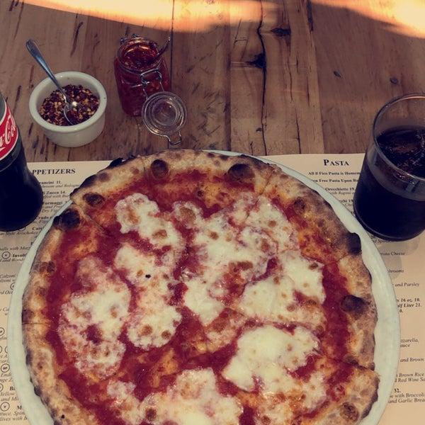 Foto scattata a Pizzeria Il Fico da Abdulmalik il 5/31/2019