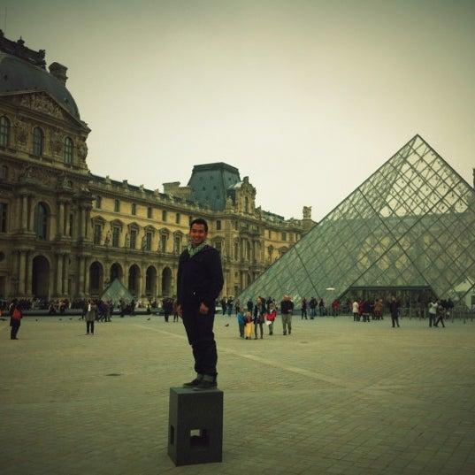Foto tomada en Le Louvre Ripaille por doni t. el 11/14/2012