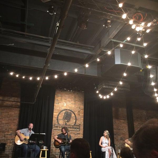 Foto scattata a The Listening Room Cafe da Asher S. il 8/22/2017