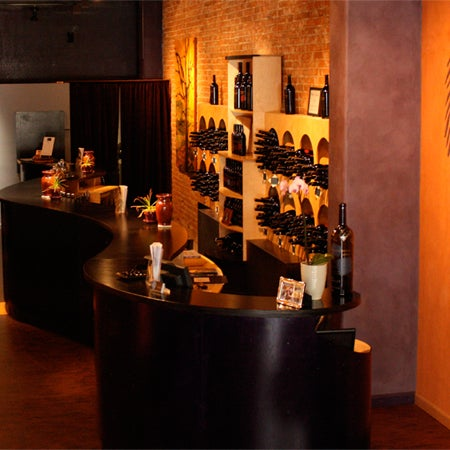10/29/2014 tarihinde Thumbprint Cellars Tasting Room & Art Galleryziyaretçi tarafından Thumbprint Cellars Tasting Room & Art Gallery'de çekilen fotoğraf