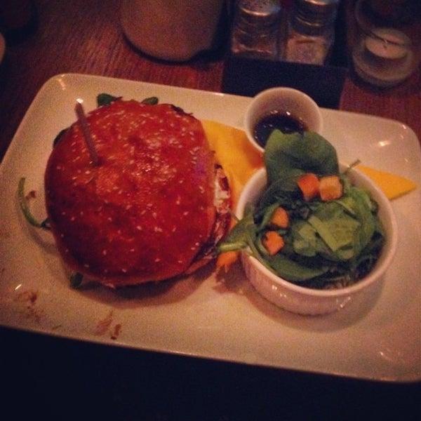 Foto tirada no(a) Mamie Burger Grands Boulevards por Manu M. em 7/10/2014