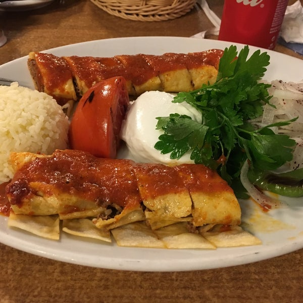 Das Foto wurde bei Tepe Restaurant von Özi am 7/15/2020 aufgenommen