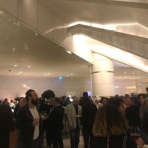 Foto diambil di Raffles Istanbul Zorlu Center oleh Engür M. pada 11/15/2019