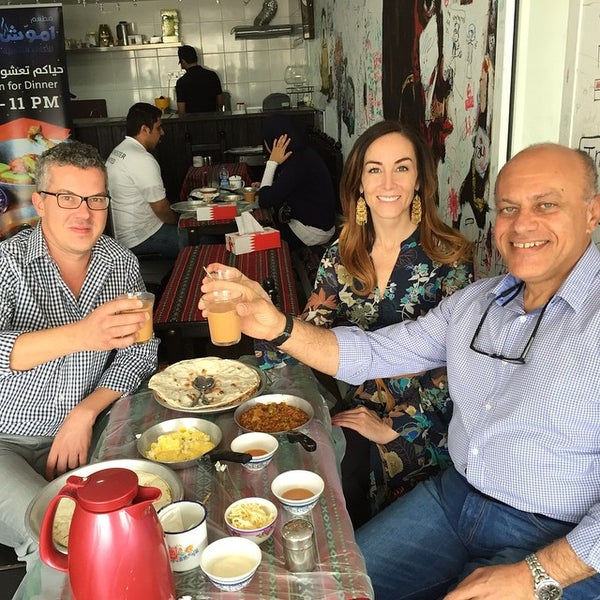 4/13/2015にMahmood A.がEmmawash Traditional Restaurant | مطعم اموشで撮った写真