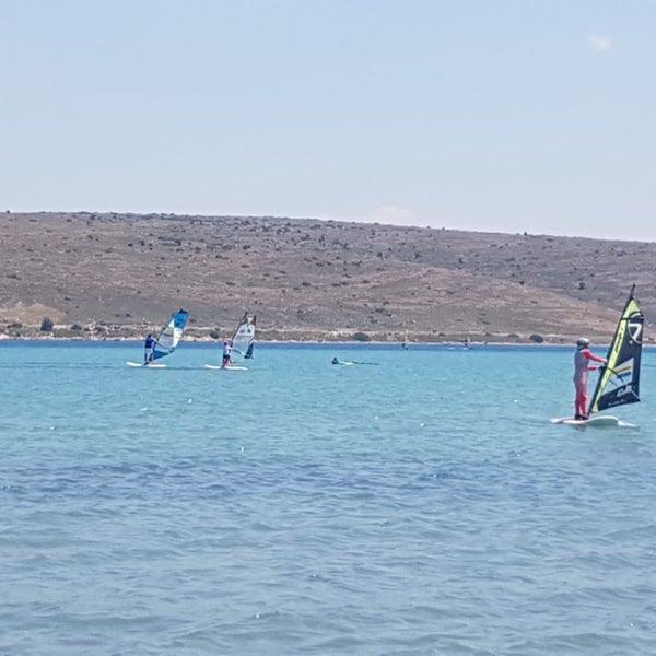 Das Foto wurde bei Alaçatı Surf Paradise Club von Hülya . am 6/7/2019 aufgenommen