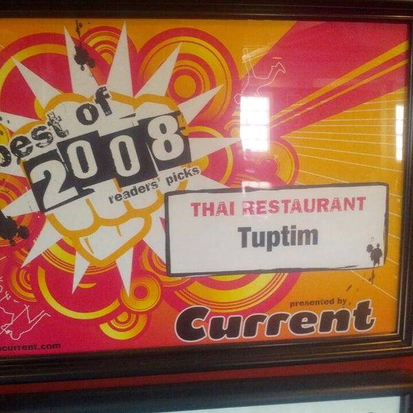 Foto tirada no(a) Tuptim Thai Cuisine por Geoff H. em 6/23/2013