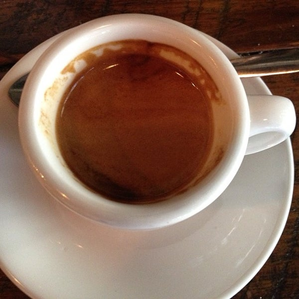 Foto tirada no(a) Bow Truss Coffee por Adrian K. em 8/17/2013