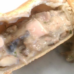 Time to feature one of our Bake@Home pie options. CHICKEN & MUSHROOM Bell & Evans free range Chicken in a mushroom creamy sauce.