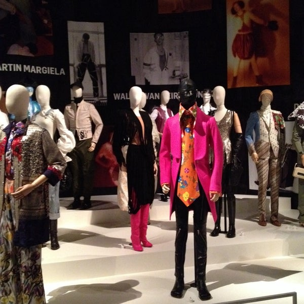 Foto tirada no(a) MoMu - ModeMuseum Antwerpen por Siska C. em 11/17/2013
