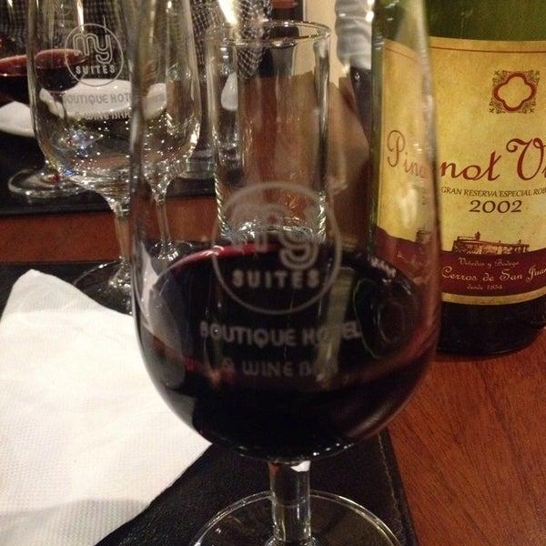 Foto diambil di My Suites Boutique Hotel & Wine Bar Montevideo oleh Erbene O. pada 7/24/2014