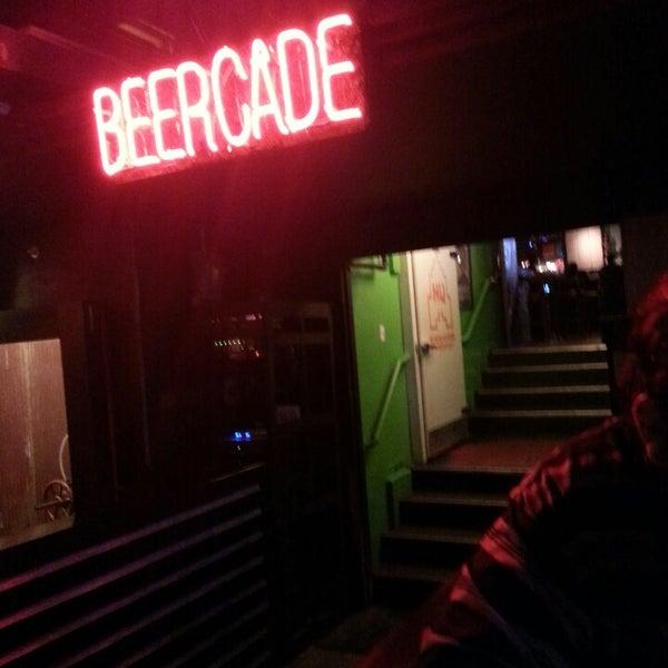 Снимок сделан в Headquarters Beercade пользователем Jose P. 6/10/2013