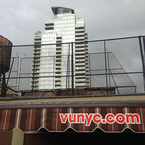 Foto diambil di VU Bar NYC oleh Richard B. pada 6/3/2013