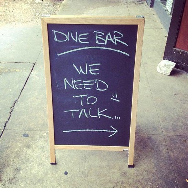 Das Foto wurde bei Dive Bar & Lounge von Jonny E. am 4/3/2013 aufgenommen