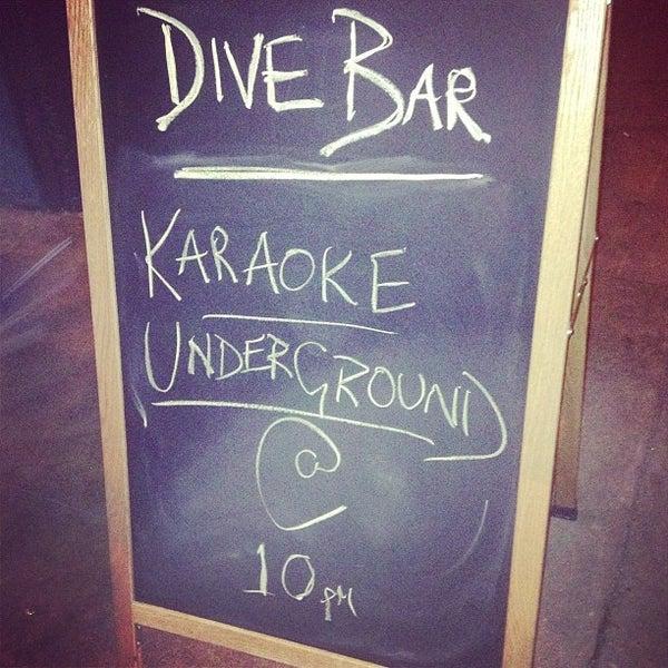 Das Foto wurde bei Dive Bar & Lounge von Jonny E. am 1/20/2013 aufgenommen