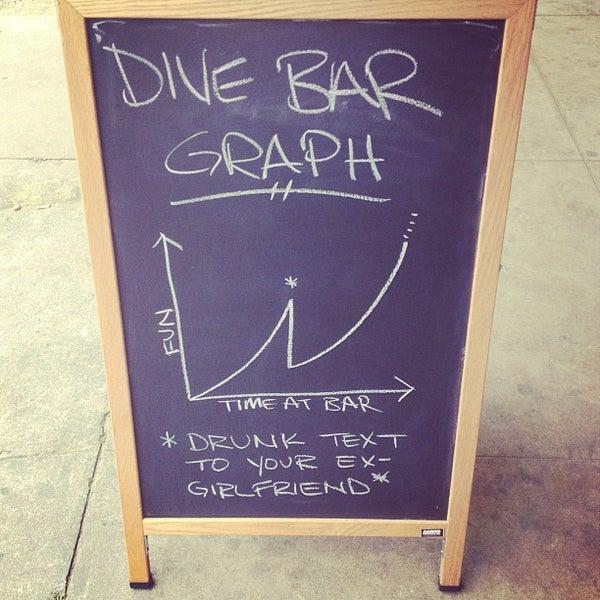 Das Foto wurde bei Dive Bar & Lounge von Jonny E. am 4/24/2013 aufgenommen