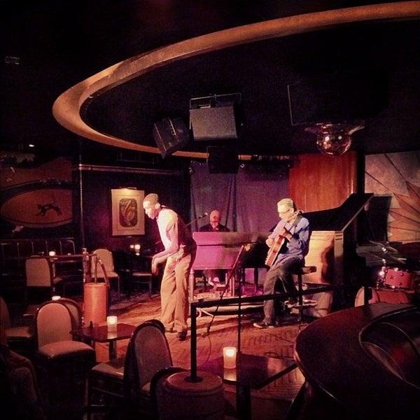 Photo prise au Cliff Bell's par Detroiting le9/27/2012