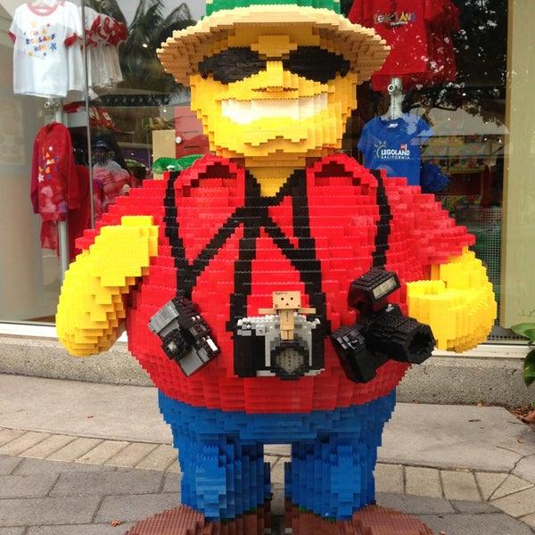 Foto tirada no(a) Legoland California por Maxim R. em 7/7/2013