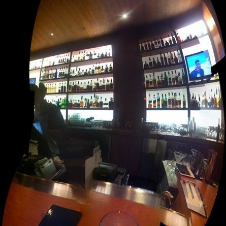 Foto diambil di The Corner Office Restaurant & Martini Bar oleh Thierry K. pada 11/10/2012