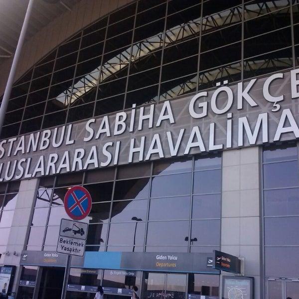 Foto diambil di İstanbul Sabiha Gökçen Uluslararası Havalimanı (SAW) oleh Tugce A. pada 7/8/2013