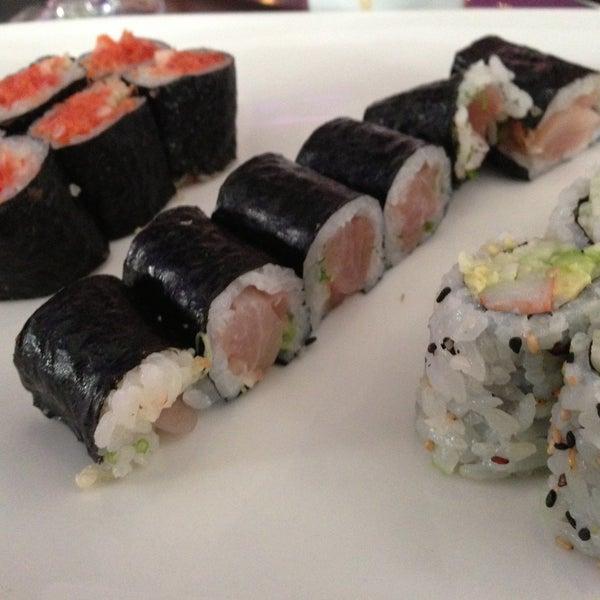Снимок сделан в Nisen Sushi пользователем FoodGuy 5/1/2013