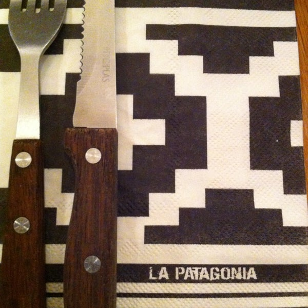 Das Foto wurde bei La Patagonia von julie b. am 11/17/2013 aufgenommen