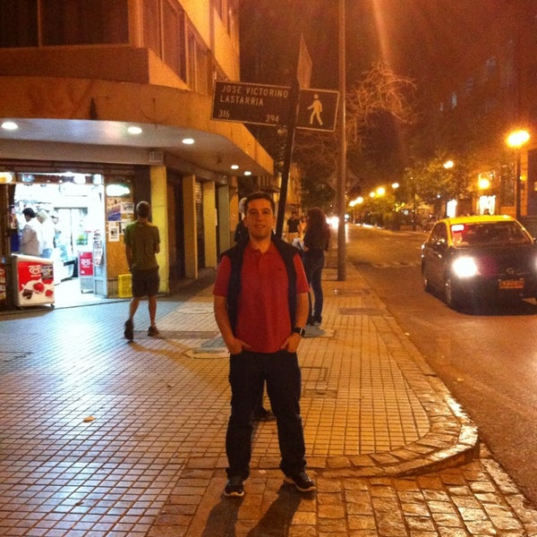 Снимок сделан в Paseo Barrio Lastarria пользователем Daniel E. 11/9/2014