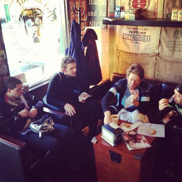 Foto scattata a Boxer Donut & Espresso Bar da David S. il 2/18/2013
