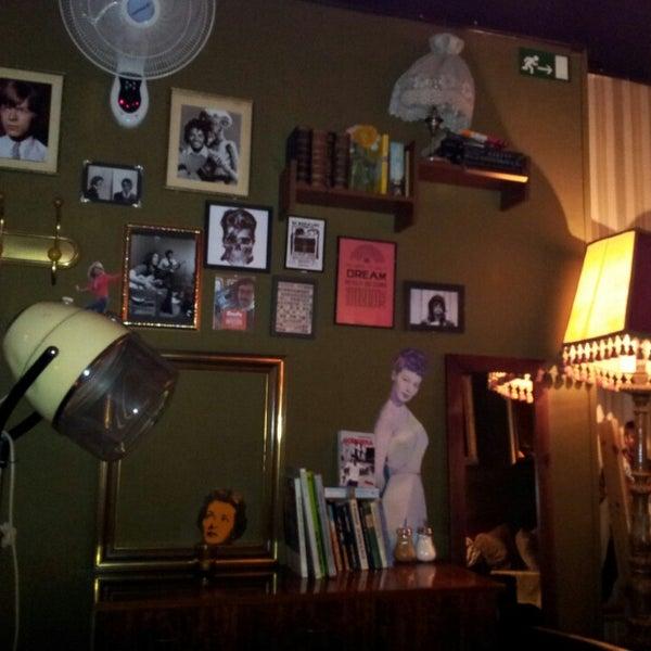 Foto diambil di Foxy Bar oleh Rafa S. pada 9/29/2013