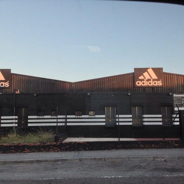 impulso extraño Fascinante  Photos at adidas Outlet Store Madrid Leganés - Sporting Goods Shop in  Leganés