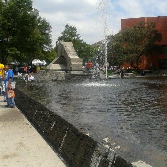 รูปภาพถ่ายที่ Universum, Museo de las Ciencias โดย Paul Rodrigo H. เมื่อ 9/23/2012