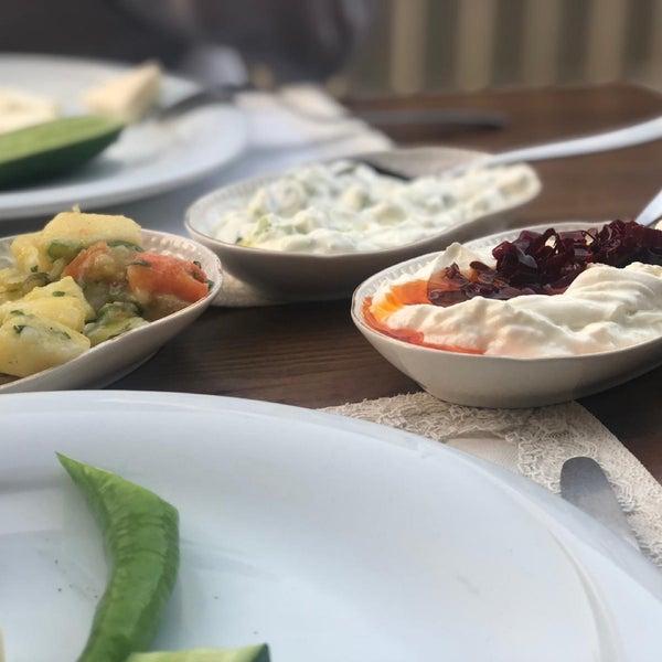 Снимок сделан в Eski Usül Meyhane пользователем Kerim T. 4/26/2019