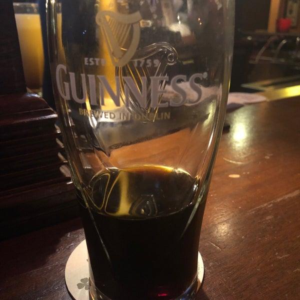Foto scattata a McMullan's Irish Pub da Patrick G. il 9/12/2018