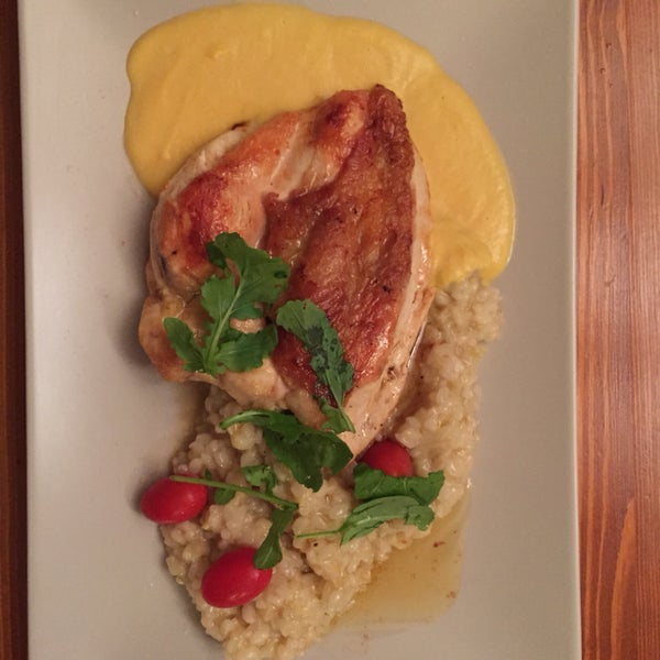 Great service. Delicious food. Chicken with risotto was awesome.