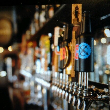 12/23/2012에 Julieanna D.님이 Black Bottle Brewery에서 찍은 사진