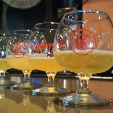 Das Foto wurde bei Black Bottle Brewery von Julieanna D. am 12/23/2012 aufgenommen