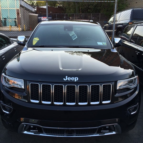 Photos At White Plains Chrysler Jeep Dodge Auto Dealership
