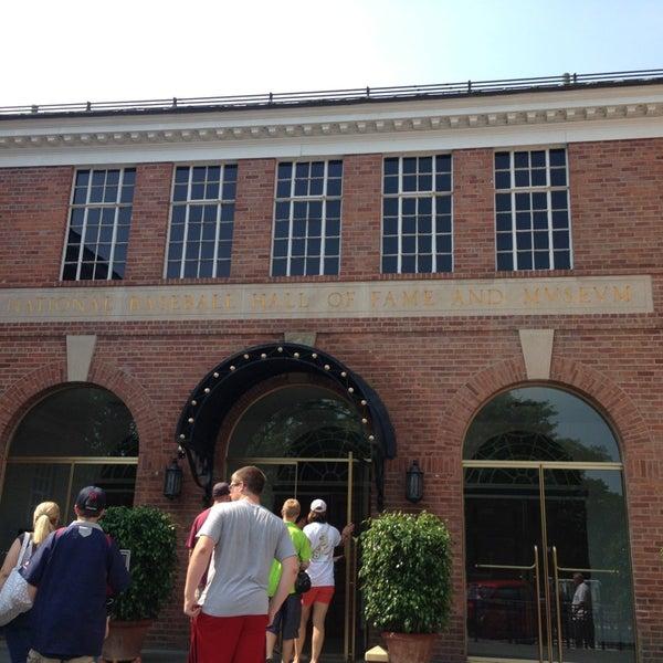 6/23/2013 tarihinde Lauren T.ziyaretçi tarafından National Baseball Hall of Fame and Museum'de çekilen fotoğraf