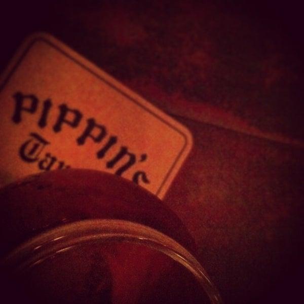 Foto diambil di Pippin's Tavern oleh Leigh L. pada 8/26/2013