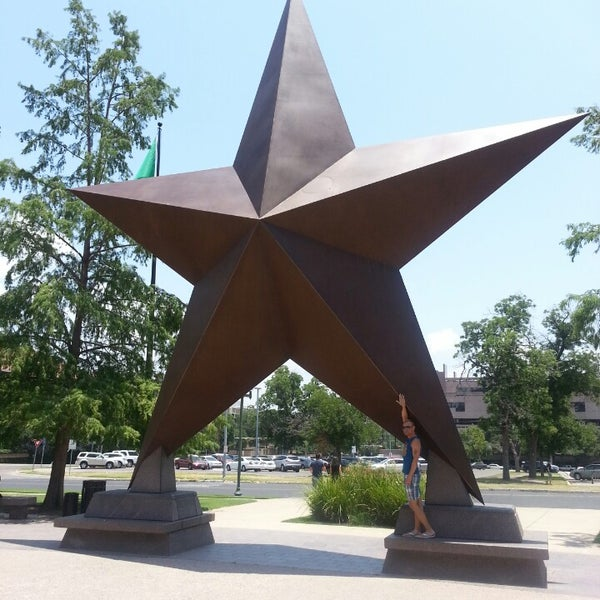 7/6/2013 tarihinde Jeffery S.ziyaretçi tarafından Bullock Texas State History Museum'de çekilen fotoğraf