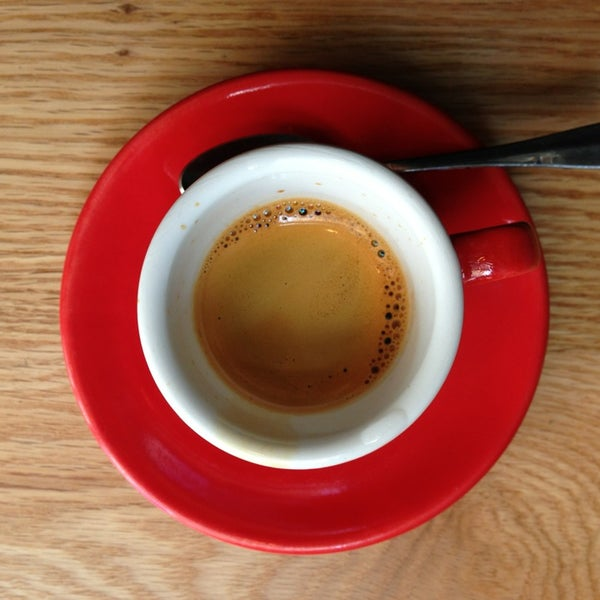 Foto tomada en Ports Coffee & Tea Co. por Alastair T. el 4/6/2013