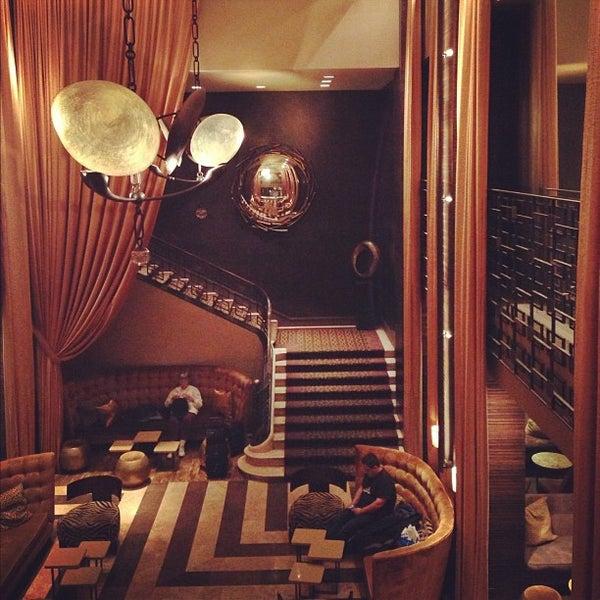 Снимок сделан в The Empire Hotel пользователем Alastair T. 10/27/2012