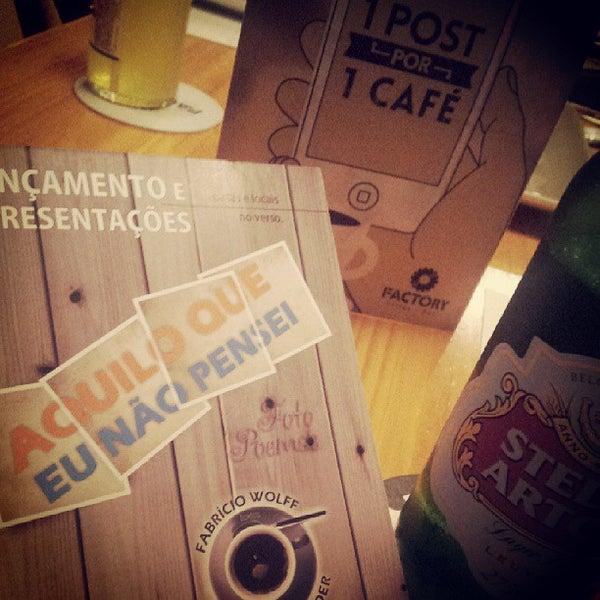 5/15/2013 tarihinde César P.ziyaretçi tarafından Factory Coffee Bar'de çekilen fotoğraf