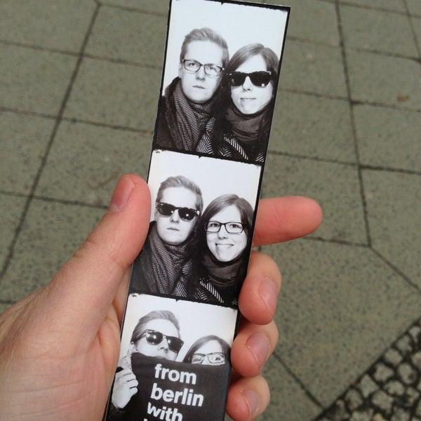 Das Foto wurde bei Photoautomat | Photo Booth von Julian K. am 4/1/2013 aufgenommen