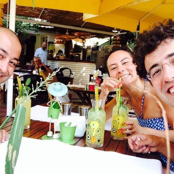 9/17/2015にHilal Özden T.がLimoon Café & Restaurantで撮った写真