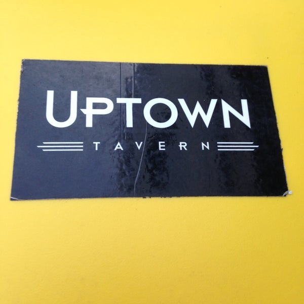 Das Foto wurde bei Uptown Tavern von Michelle P. am 6/18/2013 aufgenommen
